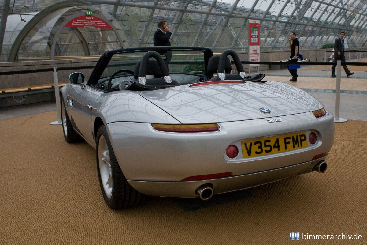 BMW Z8 - James Bond