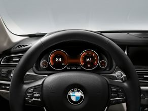 BMW 7er: Multifunktionales Instrumentendisplay