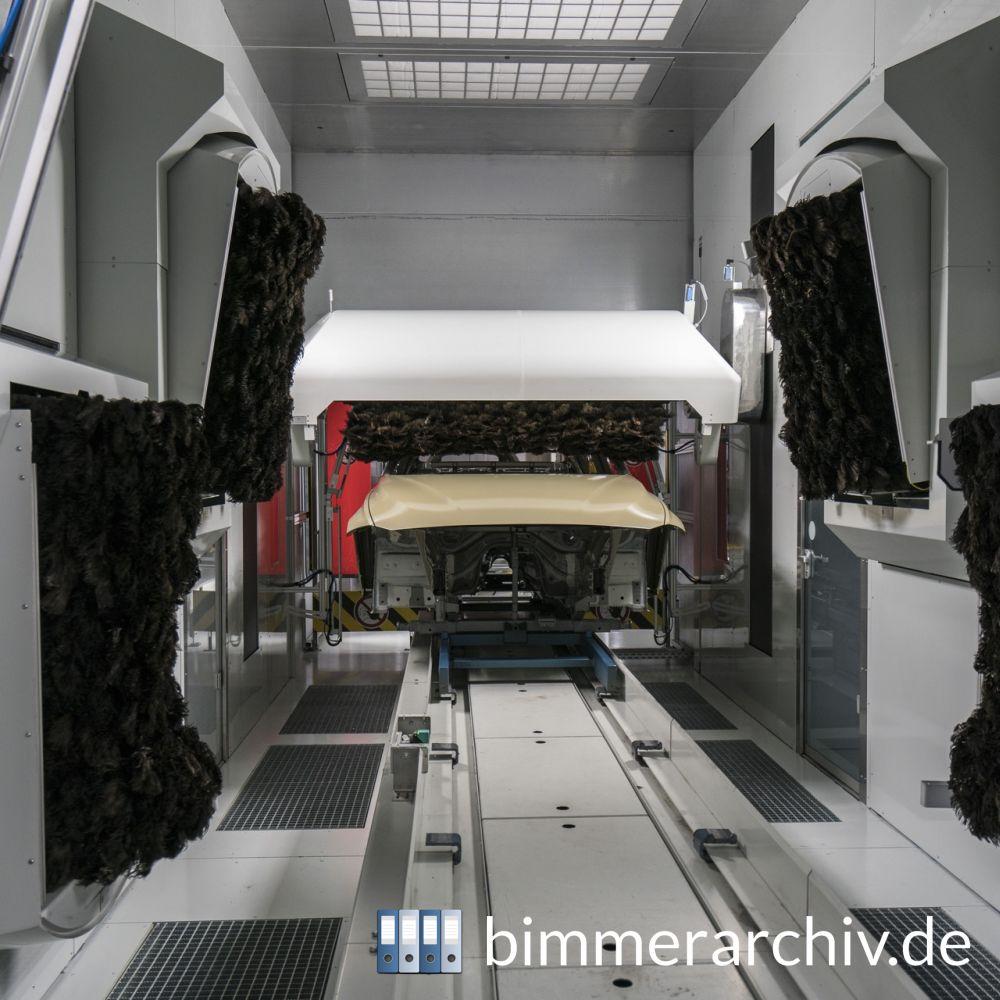 baureihenarchiv f r bmw fahrzeuge vor der einfahrt in. Black Bedroom Furniture Sets. Home Design Ideas