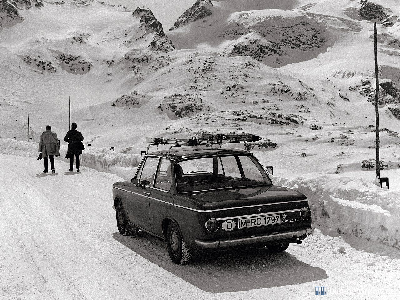 Model Archive for BMW models · BMW 1600 (1600-2), 1966 · bmwarchive.org