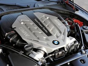 BMW 650i TwinPower Turbo - BMW 8-Zylinder Benzinmotor