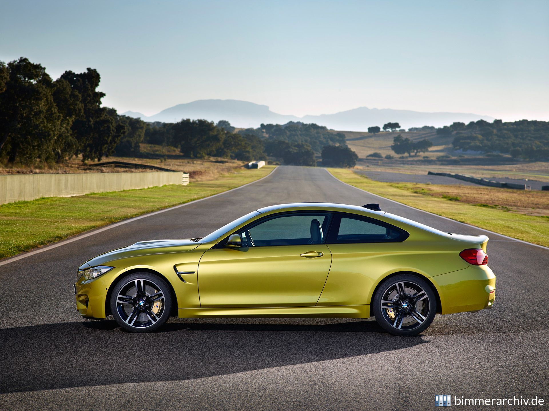 Model Archive for BMW models · BMW M4 Coupe · bmwarchive