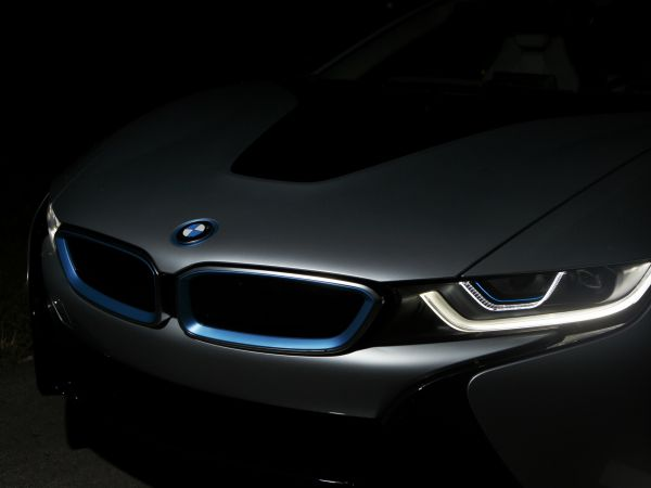 BMW i8, Laser Light