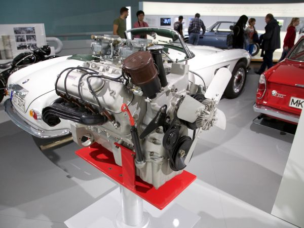 BMW V8 light alloy engine (1954)