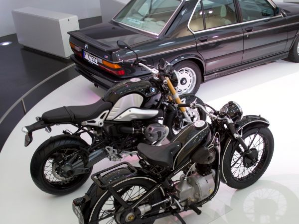 BMW R 35 and R nineT