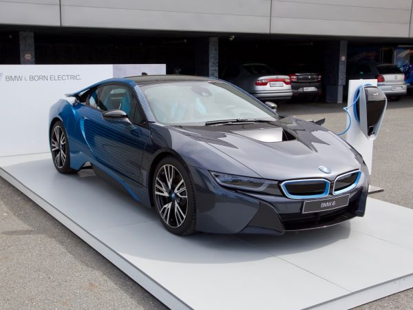 BMW i8 - Garage Italia Customs