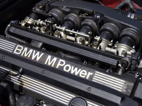 BMW M5 (E34) - Engine S38