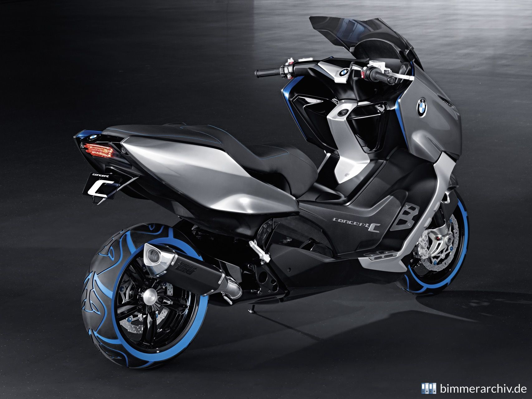 Model Archive for BMW models · BMW Motorrad Concept C · bmwarchive.org