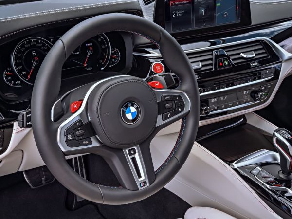 BMW M5 Sedan - First Edition