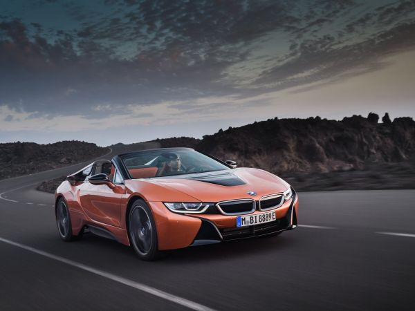 BMW i8 Roadster and i8 Coupe