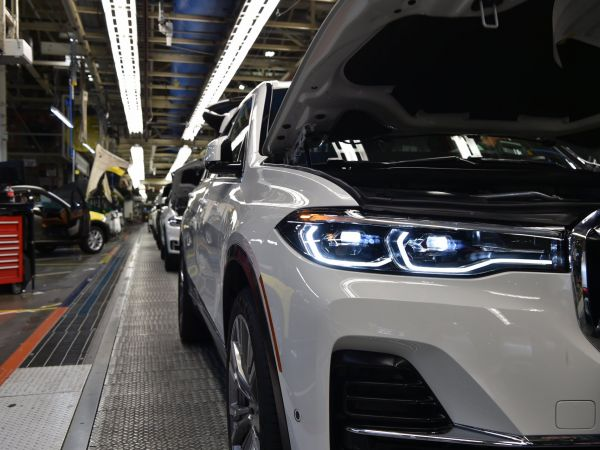 Production of the first pre-series BMW X7