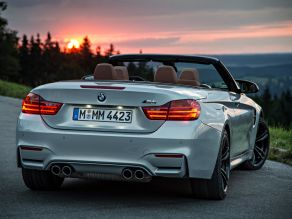 BMW M4 Convertible - BMW Individual Moonstone metallic