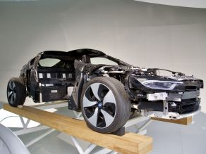 BMW i8 - Carbon Chassis